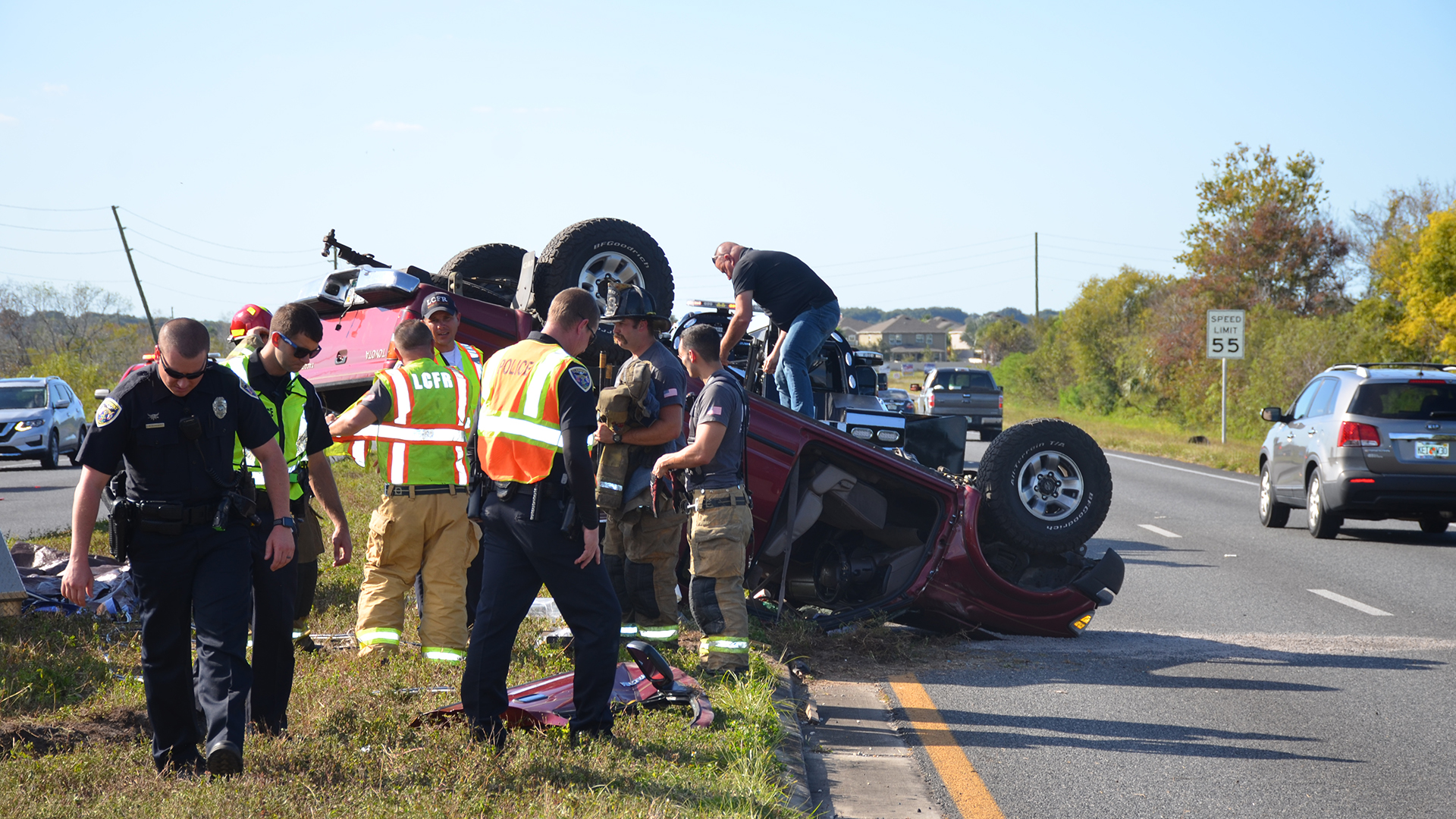 Rollover Accident on Hwy 50 at Groveland City Limit - Clermont Report